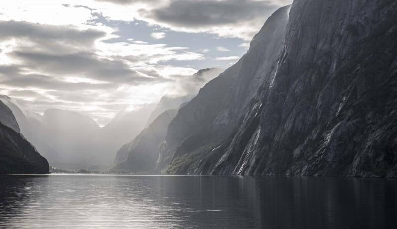 Lysefjorden og Lysebotn i solskinn.
